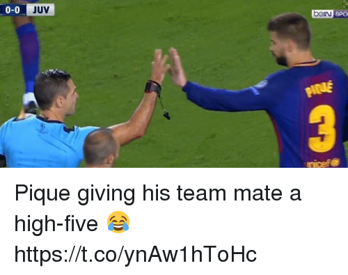 Soccer, High Five, and Team: 0-0 JUV  bein Pique giving his team mate a high-five 😂 https://t.co/ynAw1hToHc