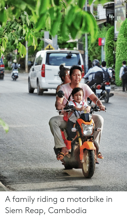 siem: A family riding a motorbike in Siem Reap, Cambodia