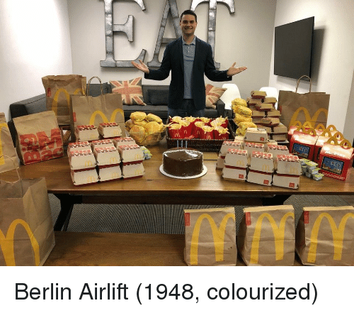 Colourized: Berlin Airlift (1948, colourized)