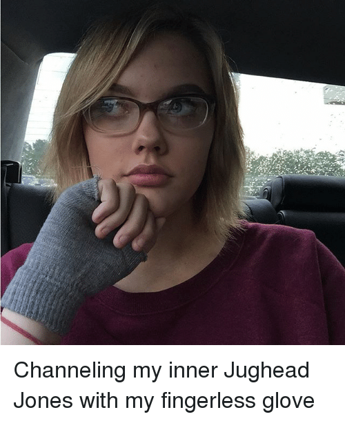 Memes, 🤖, and Fingerless Gloves: Channeling my inner Jughead Jones with my fingerless glove