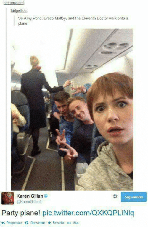 karen gillan: dreamw-eird  So Amy Pond, Draco Malfoy, and the Eleventh Doctor walk onto a  plane  Karen Gillan  Siguiendo  @Karen Gillan2  Party plane! pic.twitter.com/QXKQPLiNIq  Responder ta Retwittear Favorito Mas  <h