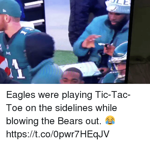 NFL: Eagles were playing Tic-Tac-Toe on the sidelines while blowing the Bears out. 😂  https://t.co/0pwr7HEqJV