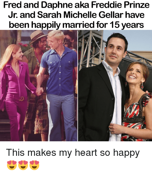 daphne: Fred and Daphne aka Freddie Prinze  Jr.and Sarah Michelle Gellar have  been happily married for 15 years This makes my heart so happy 😍😍😍