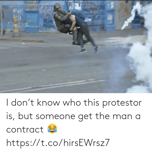 NFL: I don't know who this protestor is, but someone get the man a contract 😂 https://t.co/hirsEWrsz7