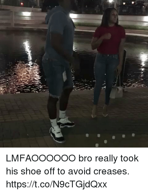 Blackpeopletwitter, Shoe, and Bro: LMFAOOOOOO bro really took his shoe off to avoid creases. https://t.co/N9cTGjdQxx