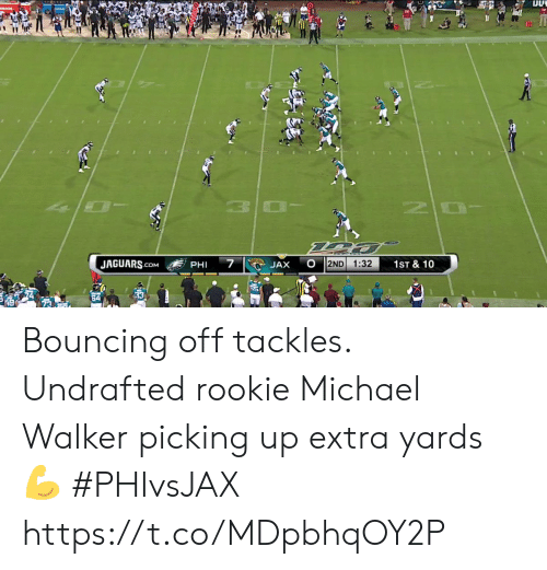 10 7: OLADE  10  7  JAGUARS.cOM  2ND  1:32  1ST & 10  JAX  PHI Bouncing off tackles.  Undrafted rookie Michael Walker picking up extra yards 💪  #PHIvsJAX https://t.co/MDpbhqOY2P