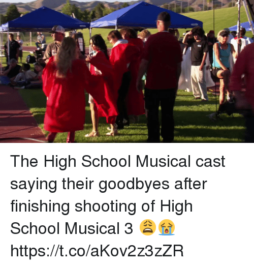 High School Musical: The High School Musical cast saying their goodbyes after finishing shooting of High School Musical 3 😩😭 https://t.co/aKov2z3zZR