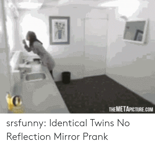 identical twins: THEMETAPICTURE.COM srsfunny:  Identical Twins No Reflection Mirror Prank