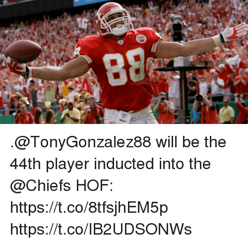 Memes, Chiefs, and 🤖: .@TonyGonzalez88 will be the 44th player inducted into the @Chiefs HOF: https://t.co/8tfsjhEM5p https://t.co/IB2UDSONWs
